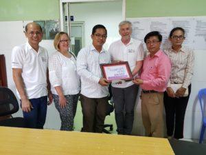 Nurse Poylene receives Clubfoot Hero award